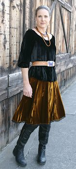 Peasant blouse w/ sundance skirt